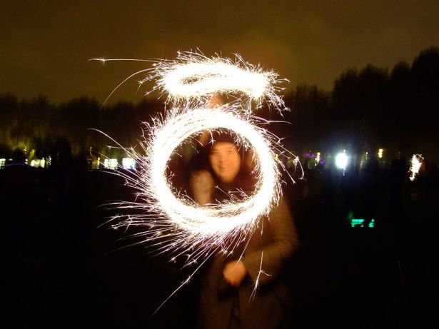 Having fun with sparklers on Bonfire Night in Battersea Park, London. Author: Gaetan Lee. Creative Commons