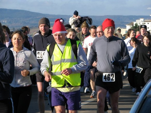 Exmouth_Boxing_Day_fun_run_-_geograph.org.uk_-_1091460