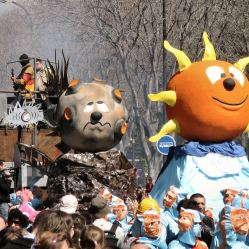 Marseille-carnival-sun-and-moon