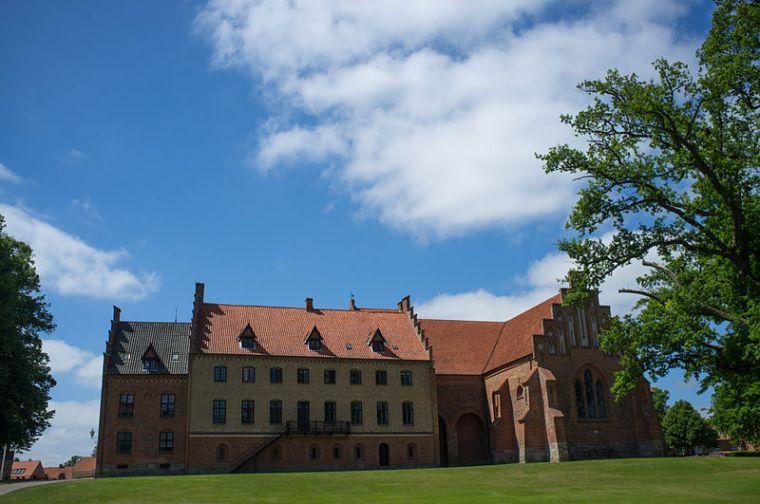 800px-Herlufsholm_Boarding_school
