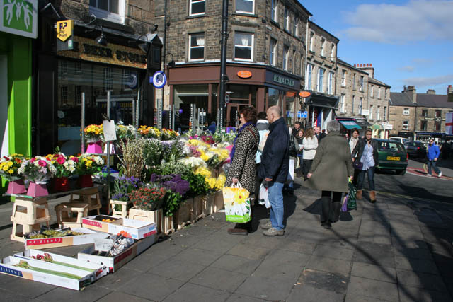 Flower_stall_on_Cheapside_-_geograph.org.uk_-_1755212