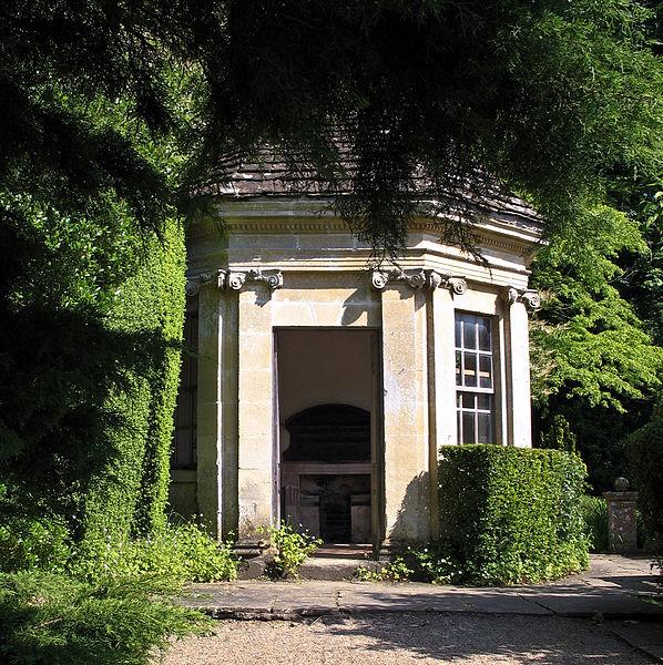 Ilford Manor Summerhouse, UK. Author: Neosnaps. originally uploaded on Flckr.  Wikimedia Commons