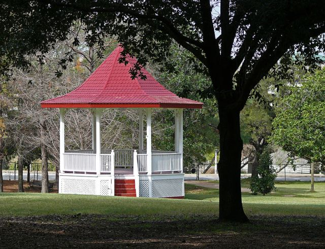 Gazebo in Sam Houston Park, Houston, Texas, USA. Author: i_am_jim.  Creative Commons