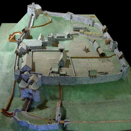 Carisbrook motte and bailey castle. Auhor: Charles D.P. Killer. Commons