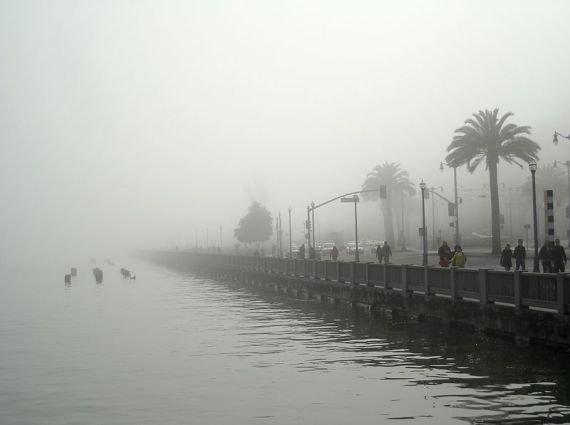 A foggy day in San Francisco. Author Daniel Ramirez, Honolulu, USA