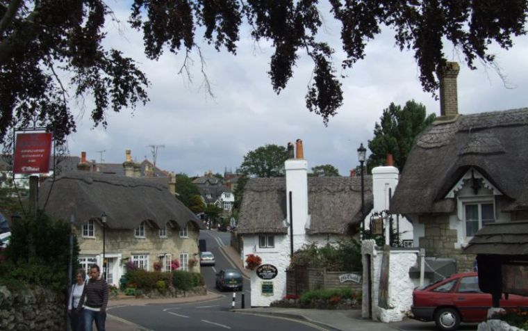 Shanklin old village, isle of Wight, UK. Author: Christophe Finot. Creative Commons