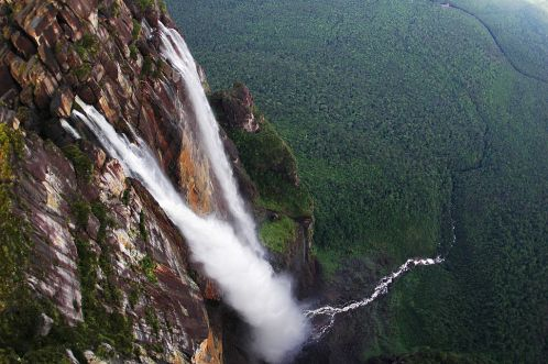 1024px-Angel_Falls_in_Venezuela