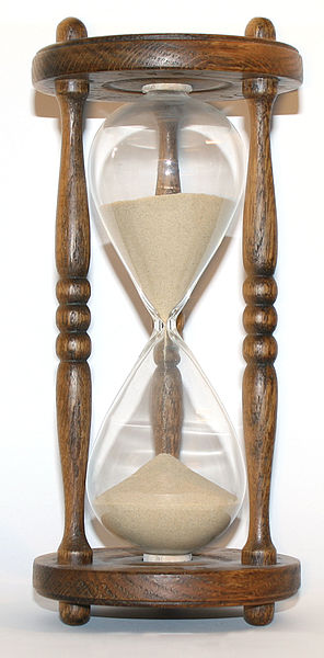 Wooden hourglass. Author: User: S. Sepp. Commons