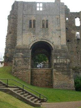 010 Newark Castle (6)
