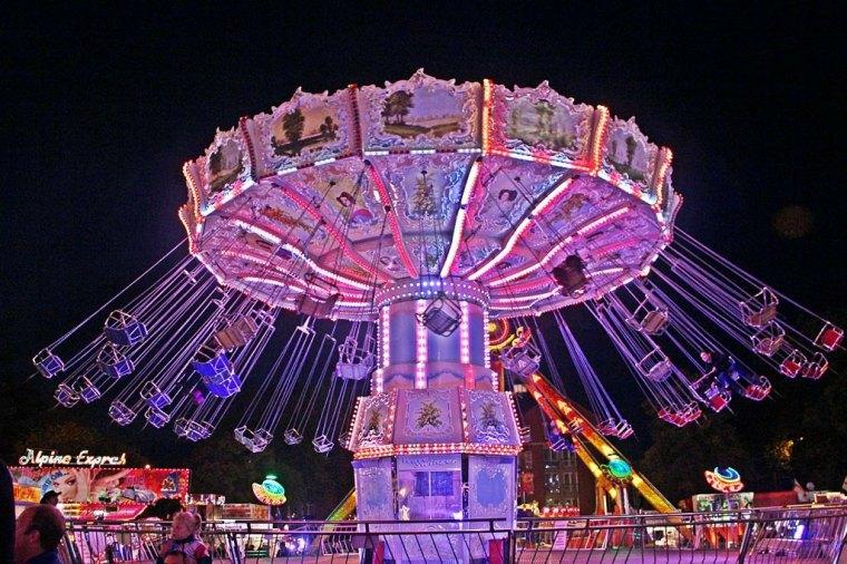1024px-Nottingham_goose_fair_2012_207a (1) Fair 4