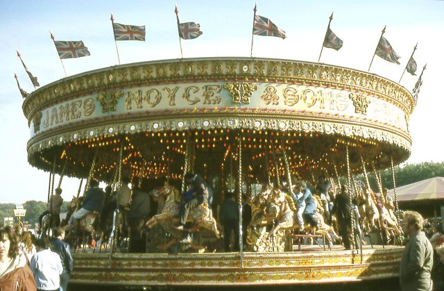 Goose_Fair_Roundabout 2