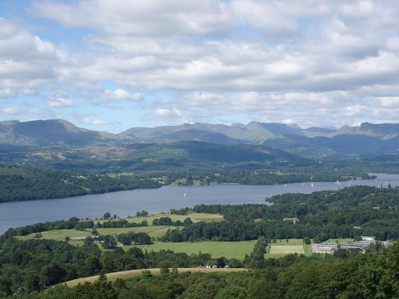 Windermere, lake district, from hill. Author: Abbasi 1111. Commons