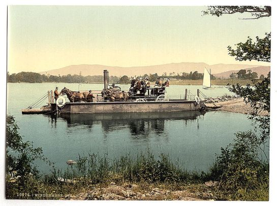 800px-Windermere,_steam_ferry,_Lake_District,_England