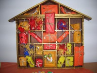 Homemade Advent calendar featuring presents. Author: Andrea Shaufler. Creative Commons