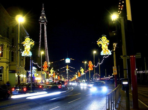 Blackpool Illuminations and Tower. Author: Mark S. Jobling. Public Domain