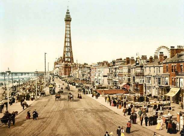 Blackpool Promenade c 1898. Author Detroit Publishing Co. under license from Photoglob Zurich. Public Domain