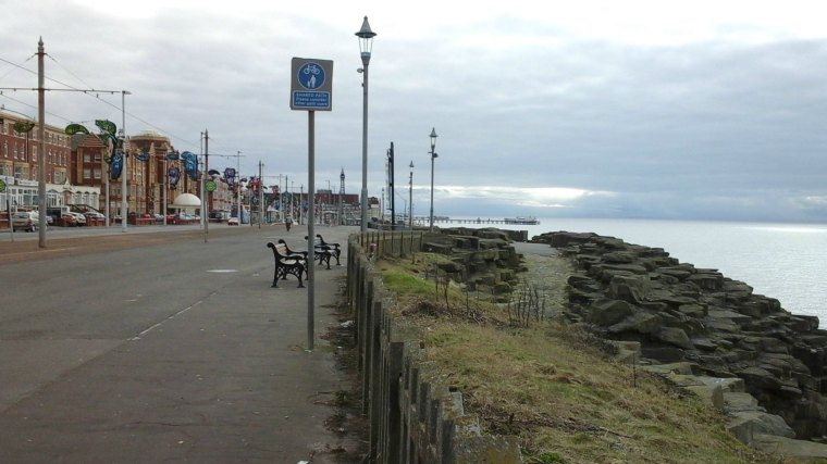 Blackpool Promenade looking south (2)