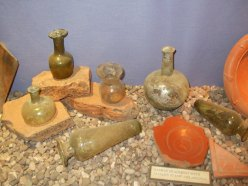 Pottery and glassware Dewa