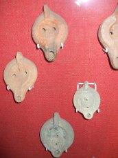 Roman oil lamps Dewa