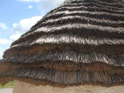 Tiered-style thatching