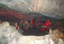 Stalactites and Stalagmites - Cox's Cave 2 + R
