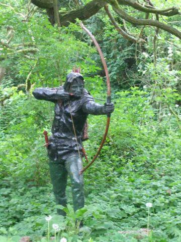 Statue of Robin Hood +