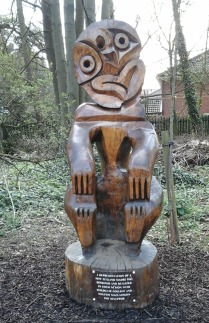 wood-carving-in-the-stumpery