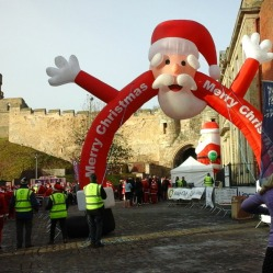 inflatable-santa-is-up