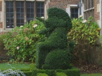second-topiary-unicorn-at-the-front-entrance