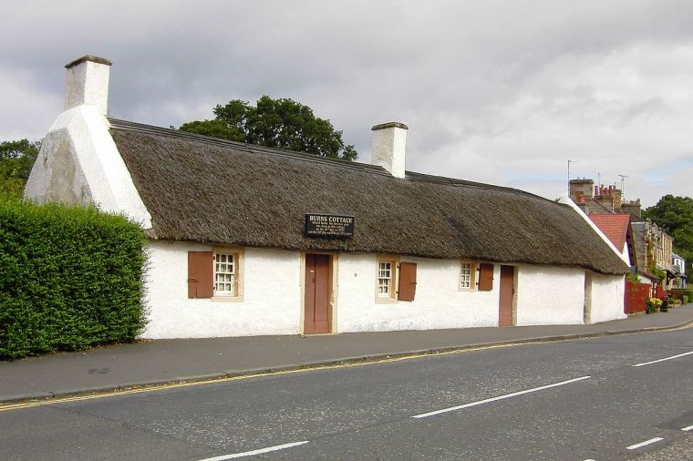 Burns Cottage in Alloway. Transferred to de. Wikipedia by Malisin. Creative Commons
