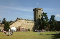Guy's Tower, added to the curtain walls in the 14th century (as was Caesar's Tower - the earliest tower to be added.