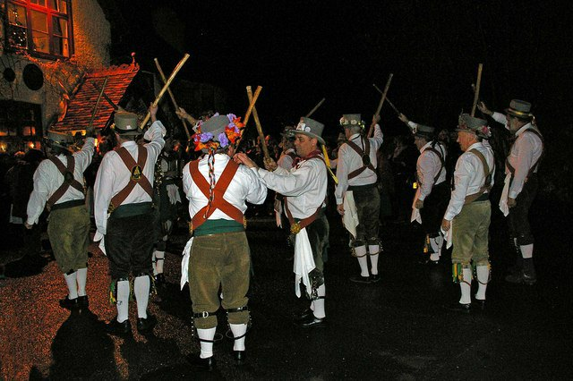 Prelude to a Wassail. Broadmarsh Morris Men perform outside tha White Horse before heading for the orchard. Author: Glyn Baker. geog.org.uk. Creative Commons