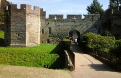 Entrance at the north west: a portcullis flanked by Bear and Clarence Towers