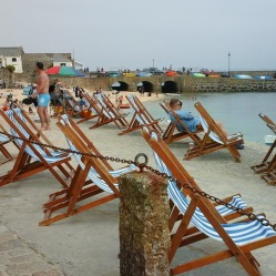 deck-chairs-in-st-ives