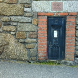 post-box-at-lands-end