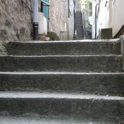 steps-in-alley-in-st-ives