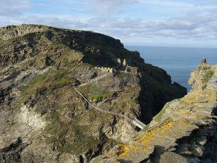 RemainsofTintagel from Wikipedai