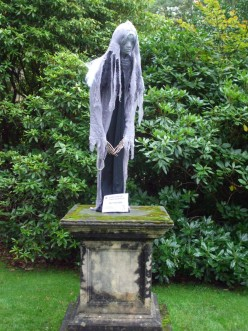 The Grey Lady (Ghost of the Hall, thought to be Elizabeth I