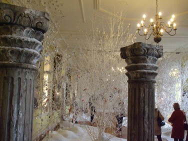 Wonderland in the Long Gallery 1