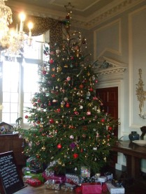 Main tree in the dining room