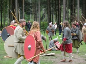 Saxons gather roound their fallen lord