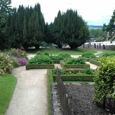 Gardens 2 +
