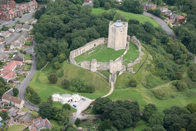 Aerial_view_of_Conisbrough_Castle_-_geograph.org.uk_-_639358
