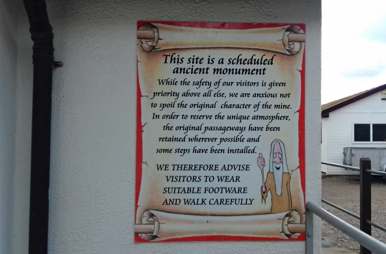 Notice at the entrance to the site