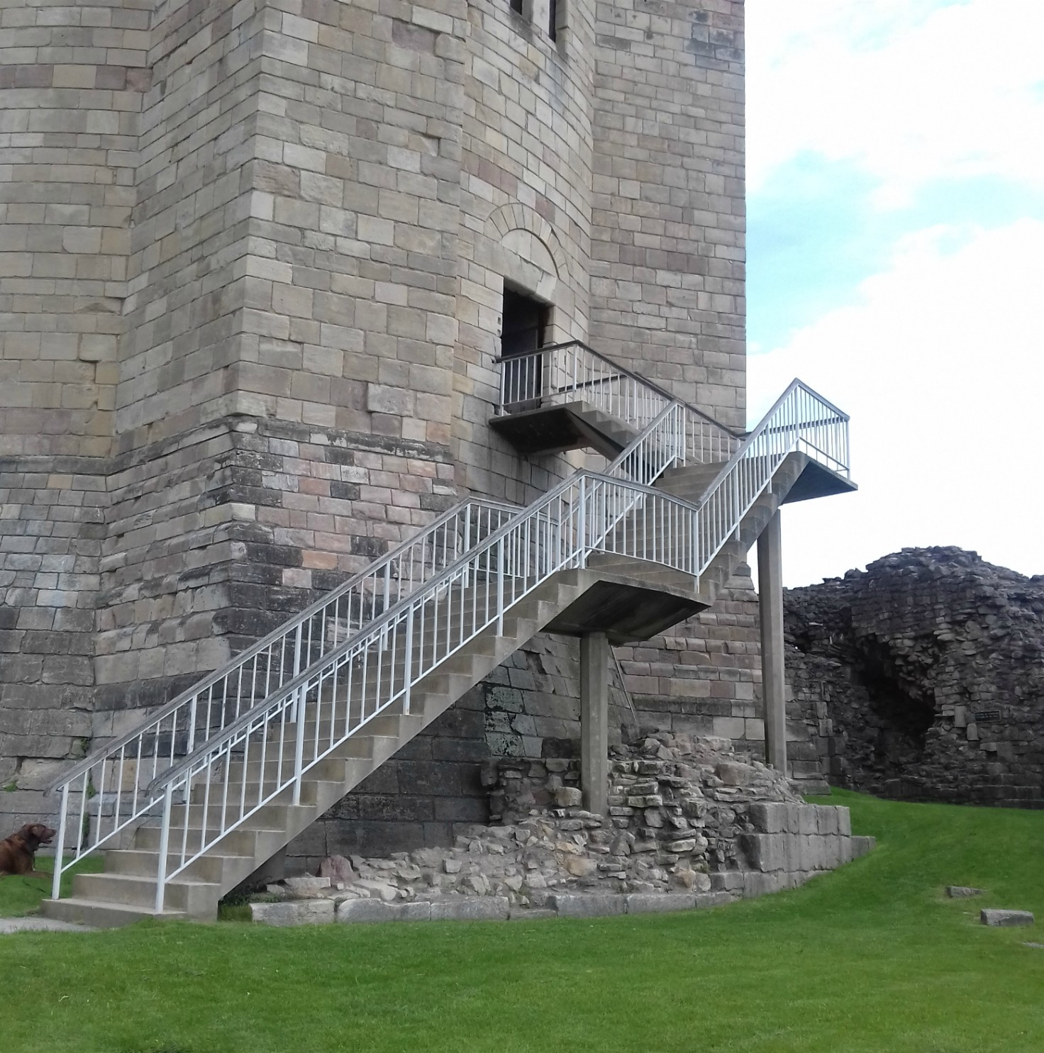 Stone steps up th keep entrance